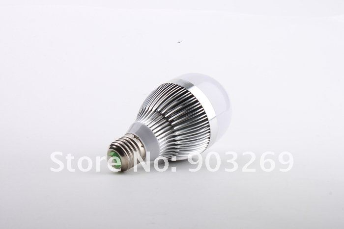 лампа E27 9W 85-265V